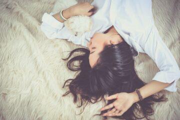 girl, sleep, lying down-1733352.jpg